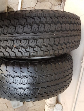 Two good used 235/65/17 Goodyear Wrangler Tyres AT/SA fits Volvo XC60 90