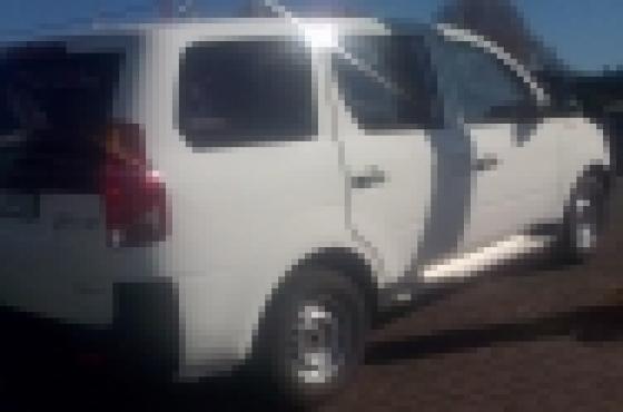 2011 mahindra xylo 2.5 diesel p/van