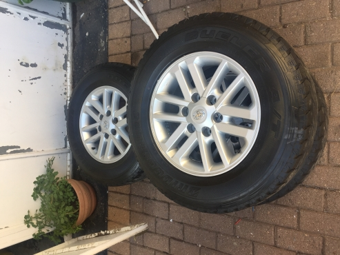 FORTUNER 265/65 17INCH TYRES AND MAGS