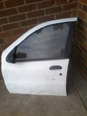 am selling fiat palio door 2002 model