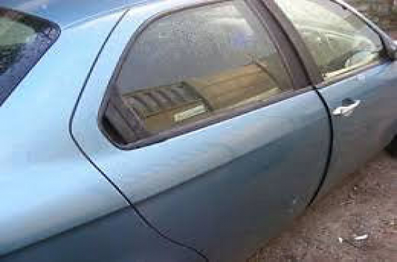 Alfa Romeo 156 doors for sale   contact 0764278509    whats app 0764278509