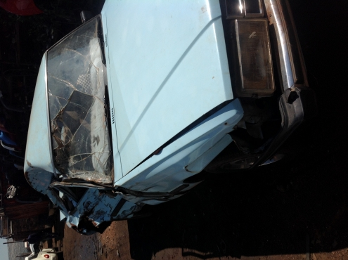 Stripping Toyota Cressida 3T 1983 for Spares