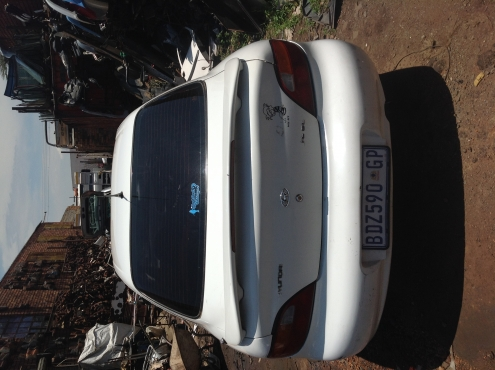 Stripping Hyundai Elantra 1997 for Spares