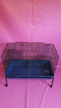 Cage r212 for sale @ R1000