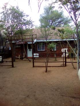 Leeupoort 2 slpk Selfsorg huis te huur vir naweke en vakansies naby Koedoeskop Limpopo