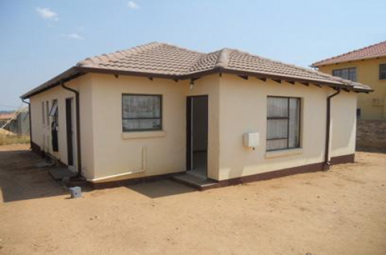 Ovely 3 bedroom family home for sale in cosmo city ext 5 for 5 6 bedroom houses for sale