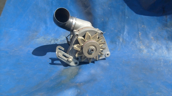 Bosch  14 v  115 amp Alternator