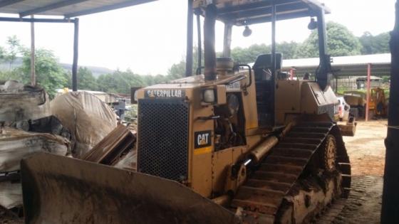 Caterpillar D4H bulldozer in excellent working order   Junk Mail