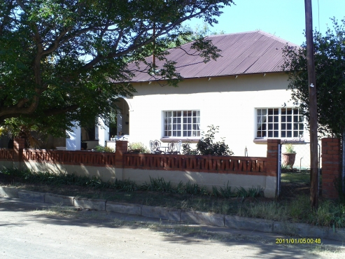 Retire in a place with peace _ 3 bedroom house in Philippolis, Free State