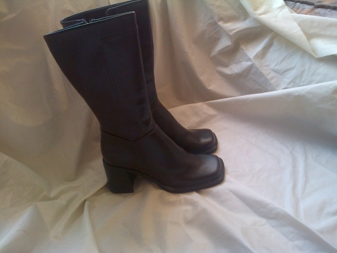 New Knee Length Brown Boots