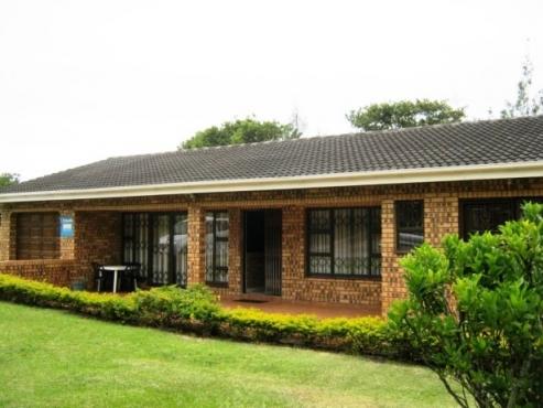 Bedroom Bathroom Face Brick House For Sale In Port Edward Junk - 3 bedroom and 2 bathroom house
