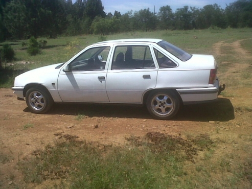 1400 Nissan bakkie 1200 Datsun bakkie any condition for my opel.