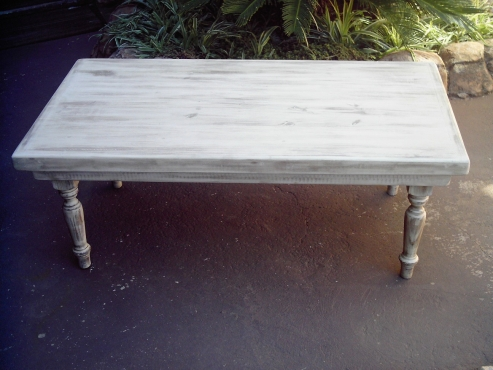 Distressed Coffee Table (1125x666x446)