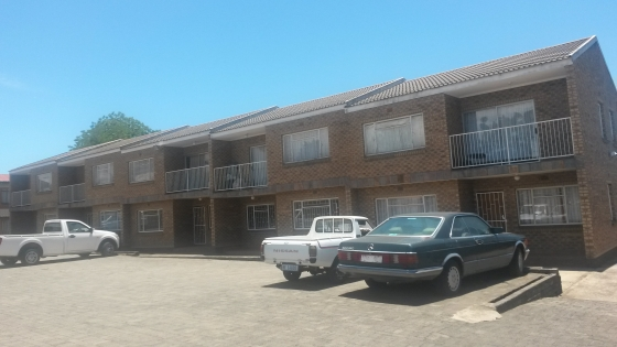 R 3 350.00- Large 1 bedroom flat-ESTCOURT-Natal Midlands