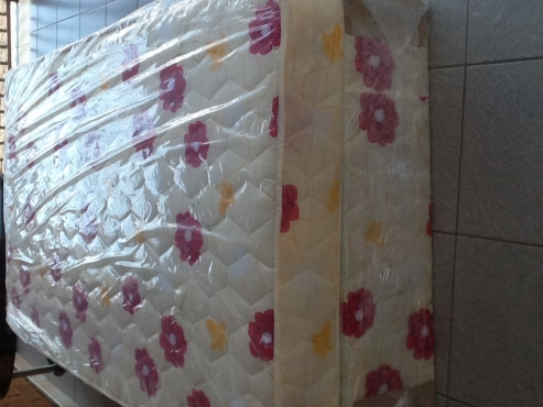GREAT SPECIAL BEAUTIFUL NEW BEDS FOR SALE IN LENASIA.(DOUBLE BEDS SPECIAL)