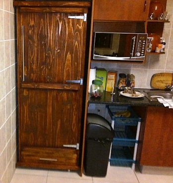 Kitchen Cupboard Farmhouse series Free standing 1900 with 1 door and drawer Stained