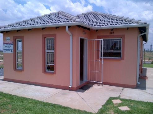 3 Bedroom, 2 Bathroom NEW Houses for Sale in Zamdela Sasolburg (Ext 17)