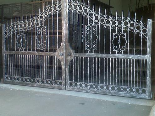 gate manufacturing