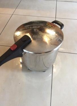 AMC Classic Pressure Cooker   Junk Mail