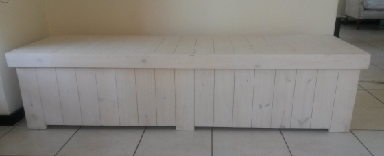 Patio bench with storage Farmhouse series 2000 Extra width White washed