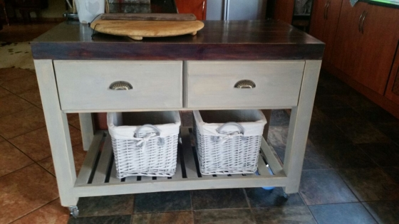 Kitchen Island Farmhouse series 1200 mobile with drawers Two tone/grey wash