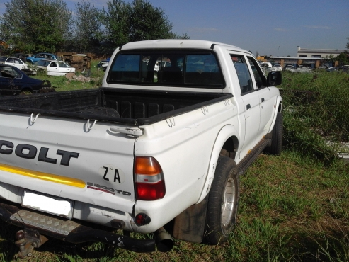 2002 Mitsubishi Colt Rodeo stripping for spare parts