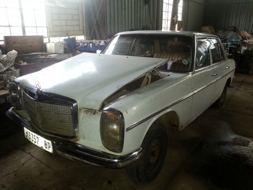 1975 Mercedes 240 diesel. 215 Series spares and body