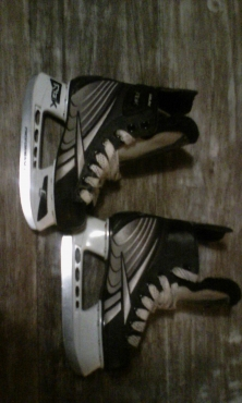 Hockey Skates For Sale R400