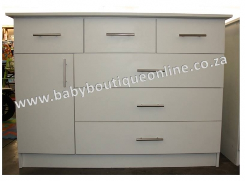 Brand New Large White Compactum With 3 Top Drawers
