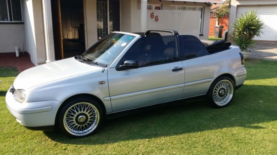 2000 vw golf 4 cabriolet 2l convertible manu junk mail rh junkmail co za Golf Cabriolet 2012 Volkswagen Golf Convertible