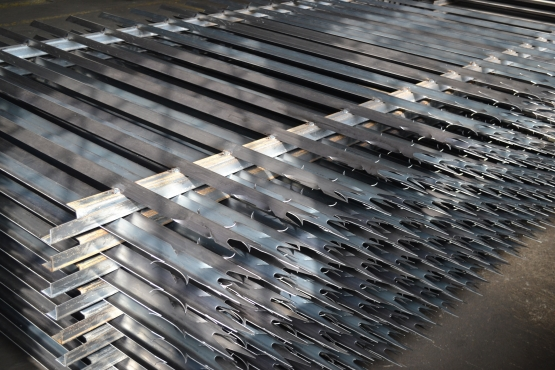 PALISADE FENCING FOR A NICE PRICE SPECIAL R500