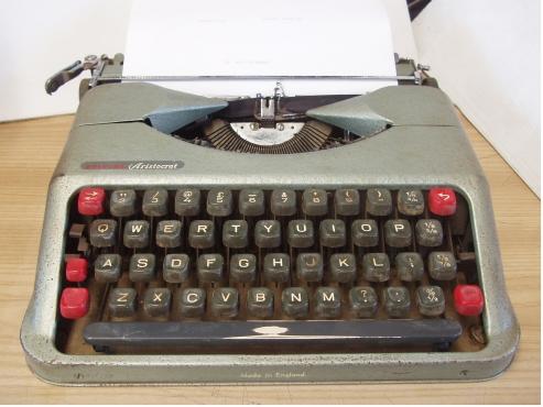 Portable Empire Aristocrat Typewriter  - Vintage - made in England