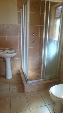 2 BEDROOM 2 BATHROOM EN SUITE SMALL GARDEN ,SECURE COMPLEX