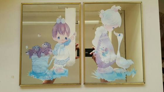 2 Mirrors with pictures for kids room