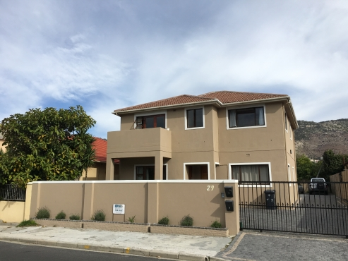 Modern 2 Bedroom apartment in central Fish Hoek