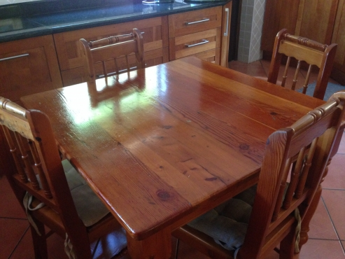 Oregon Pine Dining Table For Four People