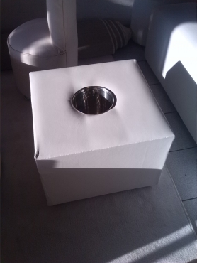 coffe tabel square with ice bucket R550