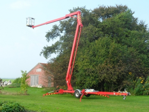 CHERRY PICKERS - SCISSOR LIFTS, BOOM LIFTS, CHERRY PICKERS FOR HIRE/SALE