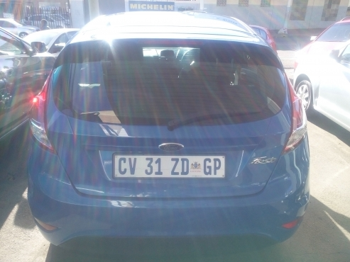 Ford Fiesta, Engine Capacity 1.6 2013 Model with 5 Doors Factory A/C and C/D Player, Central Locking