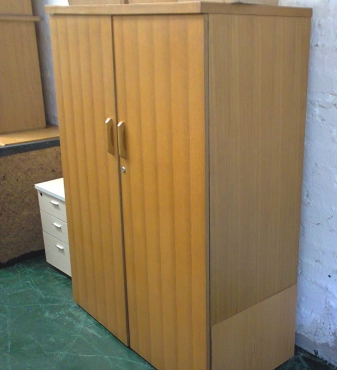 CUPBOARDS oak - used - Excellent Condition