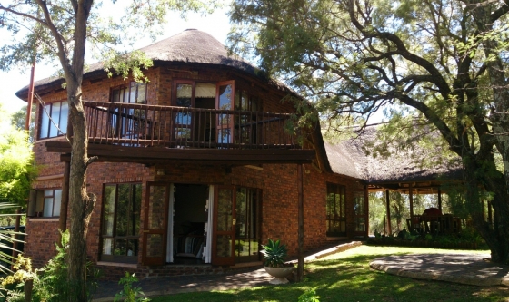 Hornbill Private Family game lodge Mabalingwe Nature Reserve