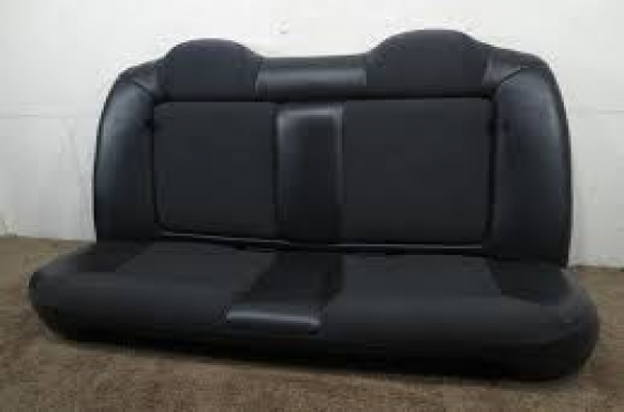 chrysler neon complete set of seats  (material) for sale  contact 0764278509  whatsapp 0764278509
