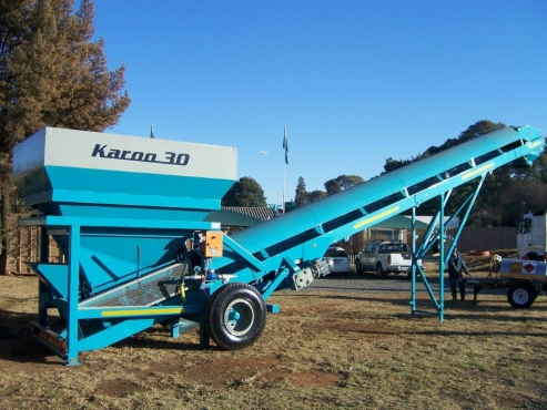 KAROO 30 HEAVY DUTY MOBILE CONCRETE BATCHING PLANTS FOR READYMIX ON SITE