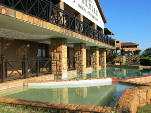 1 Bedroom (Upstairs) Apartment in a Hotel Complex for sale in Port Edward