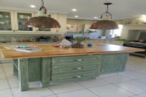Syringaberry spray painted kitchens