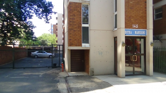 INVESTMENT PROPERTY IN SUNNYSIDE – 4 Bedroom Duplex – R450 000