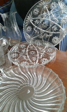 BEAUTIFUL CUT GLASS PLATTERS AND JUGS WITH GLASSES