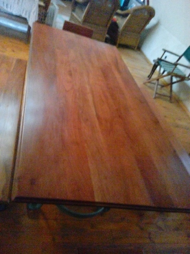 Diningroom table and chairs