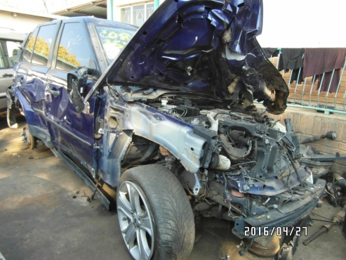 Landrover Range Rover S/C Now Stripping for Parts
