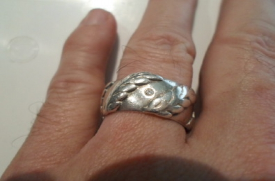 Silver ring 13gm plus diamond